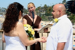 Orange County wedding ceremony in Corona del Mar Inspiration Point Terri Linzmeier officiate